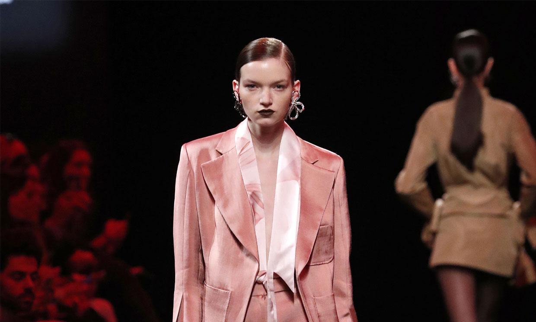 El diseñador Juan Vidal y la modelo Natalia Sabe, los mejores de la 71 edición de Fashion Week Madrid