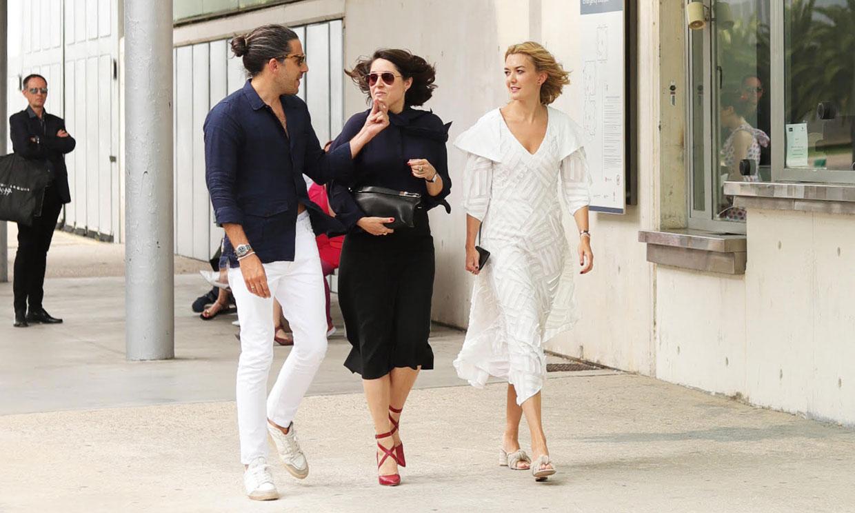 Marta Ortega elige un vestido de pasarela y unas sandalias de Zara para su cita con la moda española