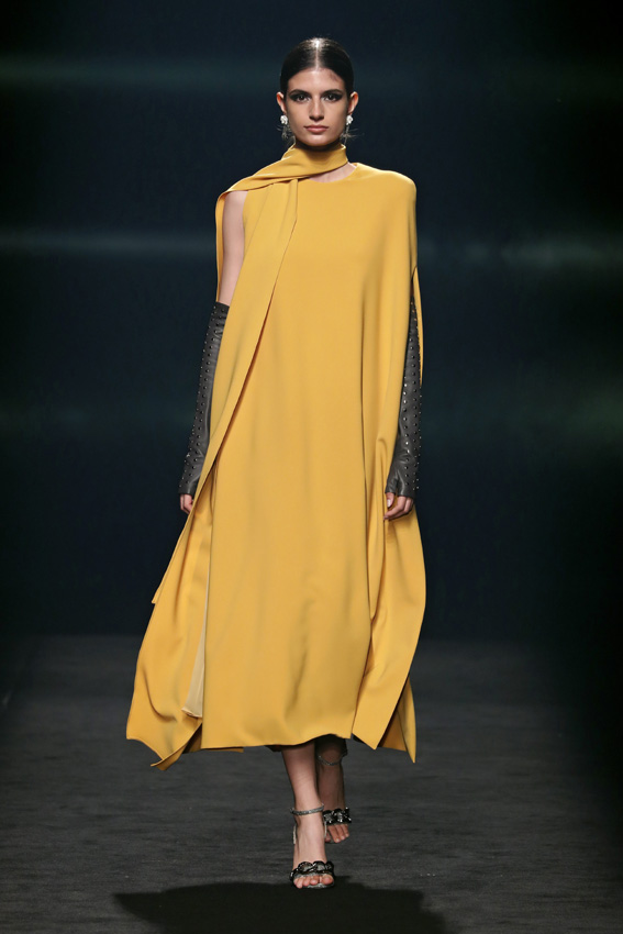 Fashion Week Madrid: Isabel Sanchis Otoño/Invierno 2021-2022.