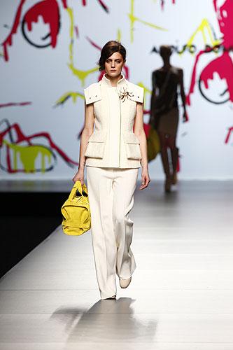 Chica chic shopper colores de tendecia oto o invierno for Adolfo dominguez trabajo